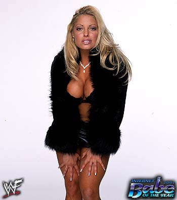 Trish is 2001 Internet Babe of the Year